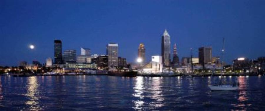 Lake erie cleveland to huron night walleye fishing charter for Fishing charters cleveland ohio